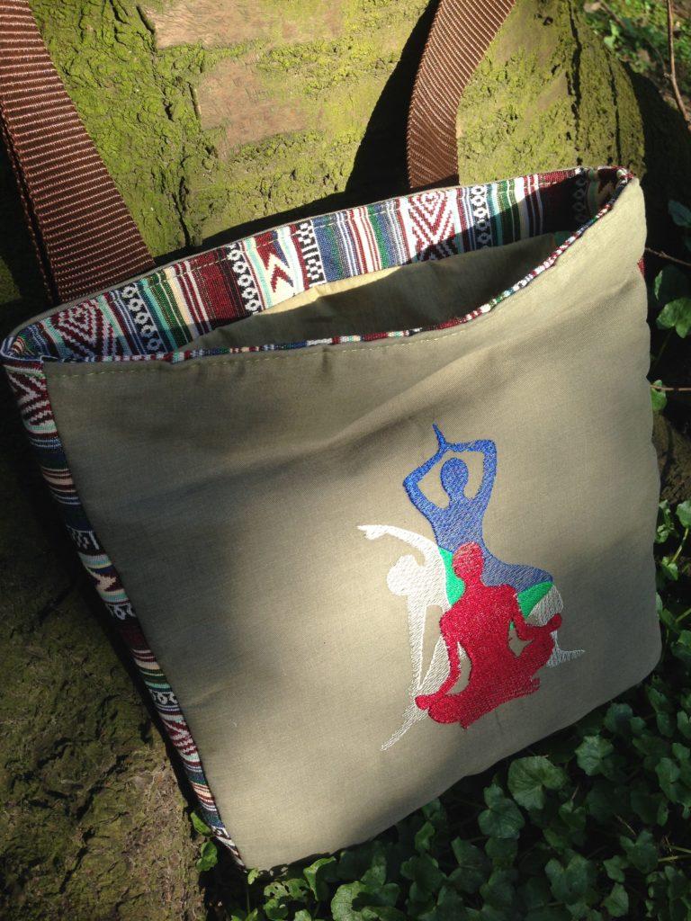 KathieKreativ-Männersache-Stickdatei Yoga- Stickmuster von Kathie Kreativ - Ethno Outdoorstoff