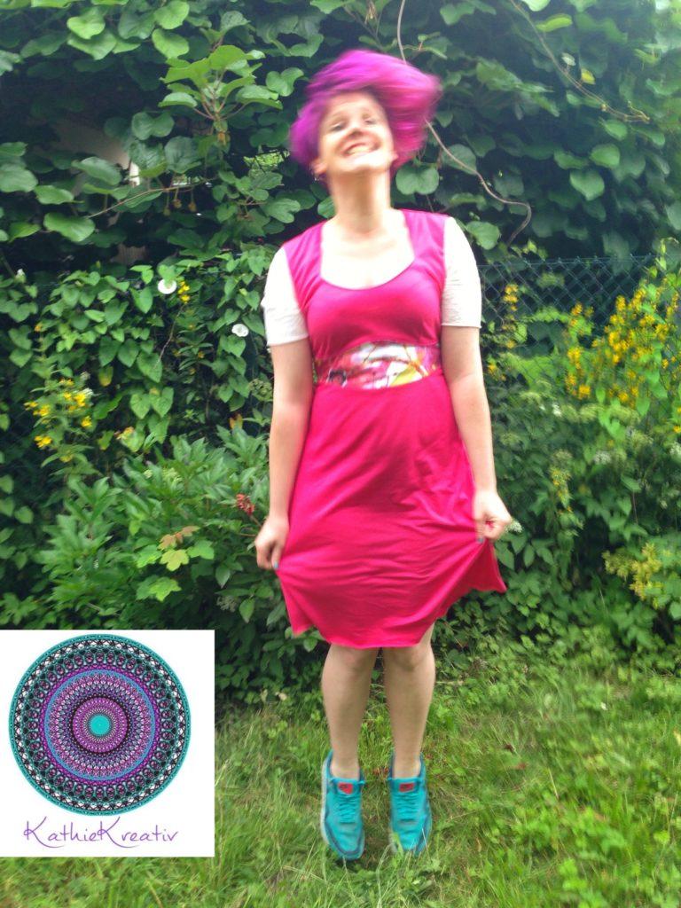 Paspel Kleid Dira von KathieKreativ - schnell zu nähen - Perfekt für den sommerlichen FrühlingPaspel Kleid Dira von KathieKreativ - schnell zu nähen - Perfekt für den sommerlichen Frühling