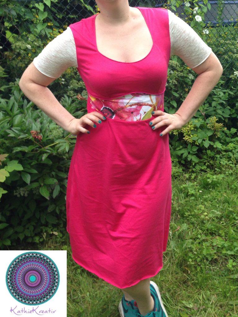 Paspel Kleid Dira von KathieKreativ - schnell zu nähen - Perfekt für den sommerlichen Frühling