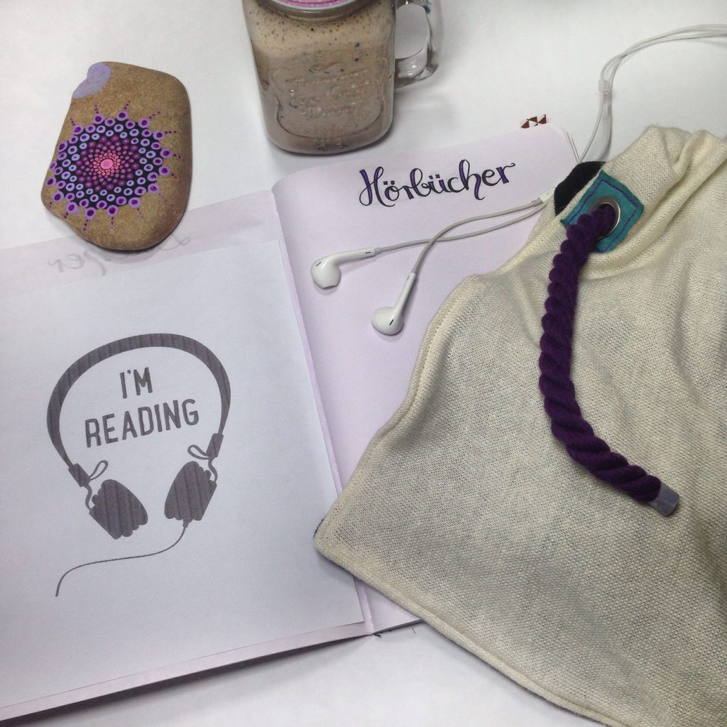 Strick HoodieSchnürschal nähen mit KathieKreativ - Für die kalte Jahreszeit - Prima als Geschenk geeignet