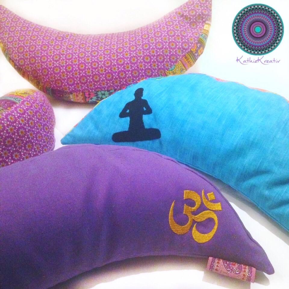 Meditationskissen mit Stickmuster von KathieKreativ nähen und sticken• Genähtes Unikat mit Yogastickmotiv